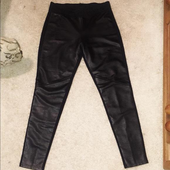d5b7b1bc6f2bb Women's Rock & Republic Faux Leather Leggings/Sz M.  M_5a596cc59cc7ef1bbe39997f